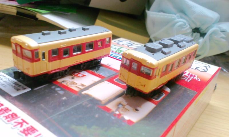 左:非冷房車/右:冷房車