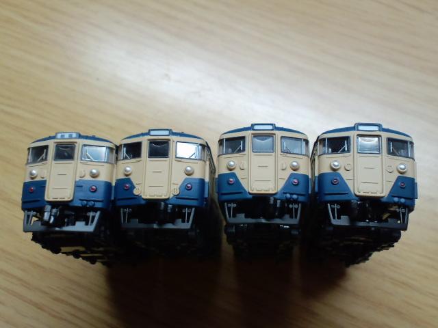左から115系後期、0'番台、700番台、1000'番台